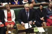 Britský premiér Boris Johnson v parlamentu