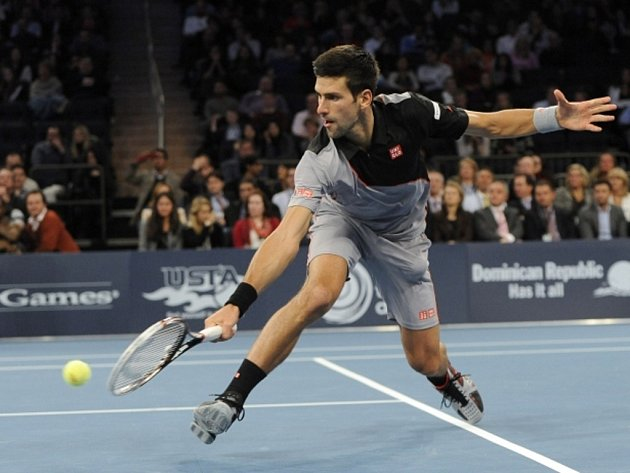 Novak Djokovič na exhibici v Madison Square Garden proti Andy Murraymu.
