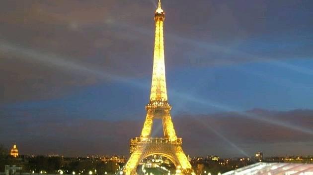 Eifelova věž v Paříži