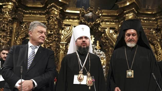Ukrajinský prezident Petro Porošenko, Epifanij a metropolita Emanuel