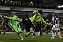 Petr Čech si v posledních zápasech Chelsea vyzkoušel i úlohu útočníka.
