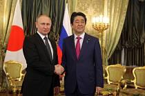 Vladimir Putina a Shinzo Abe