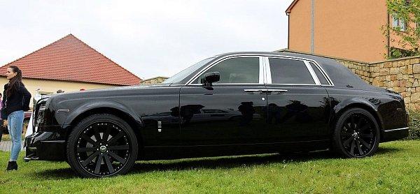 Sraz luxusních vozů Rolls-Royce a Bentley.