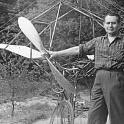 Jaroslav Foglar u legendárního Tleskačova kola
