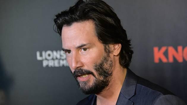 Keanu Reeves je tak trochu záhadný a samotářský muž.