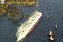 Luxusní loď Costa Concordia ztroskotala  u pobřeží západní Itálie.