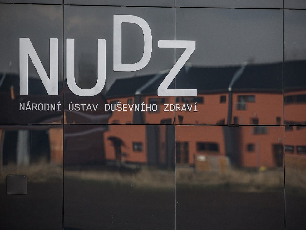 Národní ústav duševního zdraví v Klecanech u Prahy 26. března oficiálně zahájil provoz.