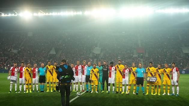 Fotbalový zápas skupiny F (liga mistrů), SK Slavia Praha - FC Barcelona, 23. října 2019 v Praze. Na snímku tým SK Slavia Praha a FC Barcelona.