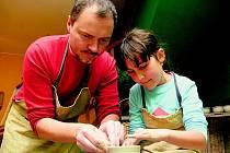Talentované dítě nemusí nutně vlohy zdědit po rodičích, a může se narodit do jakékoliv rodiny.