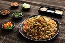 Smažená rýže sklíčky mungo