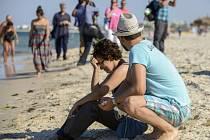 Tunisku hrozí další teroristické útoky na turistická letoviska podobné tomu z pátku, varovalo dnes britské ministerstvo zahraničí.