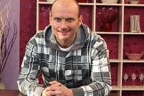 Populární televizní moderátor, ale i herec a muzikant Dalibor Gondík se chystá jako jeden z účinkujících na květnové Slavnosti svobody do Plzně.