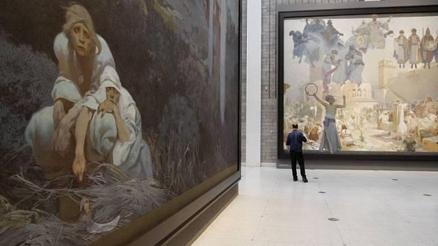 Slovanská epopej malíře Alfonse Muchy v pražském Veletržním paláci.