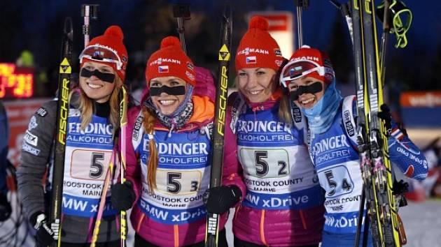 České biatlonistky a jejich radost z triumfu ve štafetě