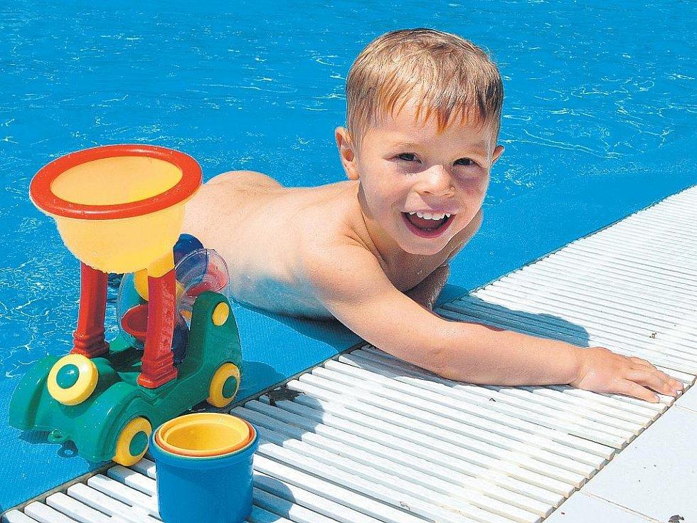 Děti vlastní bazén jistě ocení.