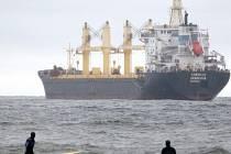 Německá nákladní loď Cornelia.