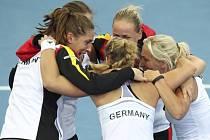 Německé tenitky se radují z postupu do finále Fed Cupu.