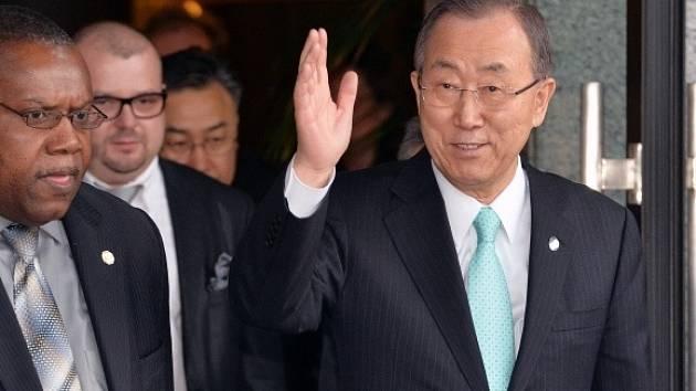 Generální tajemník OSN Pan Ki-mun (vpravo) přicestoval 3. dubna do České republiky. V pátek se setká s premiérem Bohuslavem Sobotkou, prezidentem Milošem Zemanem i dalšími politiky.