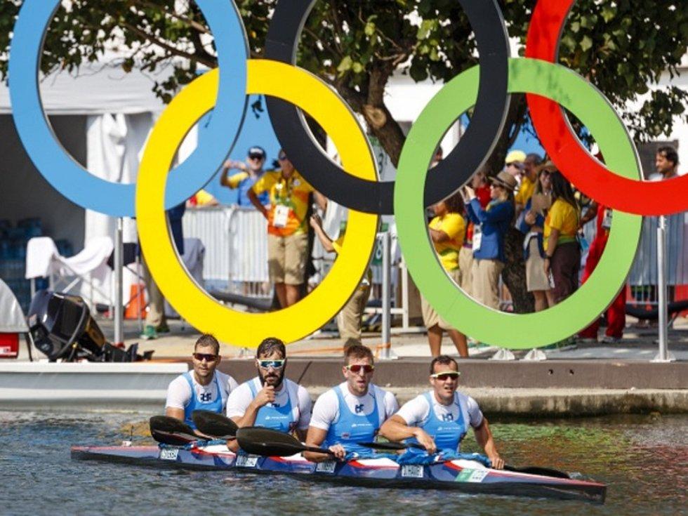 Bronzový čtyřkajak z olympijských her v Riu.