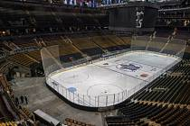 Pohled do útrob prázdného stadionu hokejistů Toronta na snímku z 12. března 2020