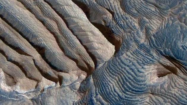 Povrch Marsu. Ilustrační foto