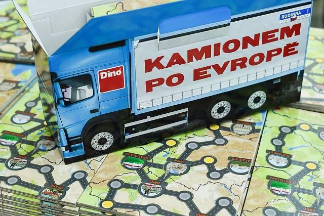 Kamionem po Evropě. Společenská hra od Dino Toys.