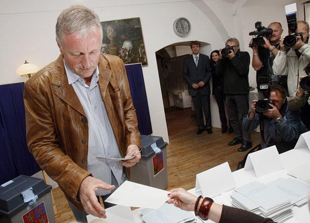 Mirek Topolánek u voleb do Evropského parlamentu