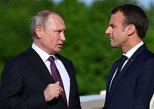 Vladimir Putin s Emmanuelem Macronem