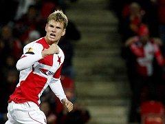 Petr Janda ze Slavie se raduje z úvodního gólu proti Valencii.