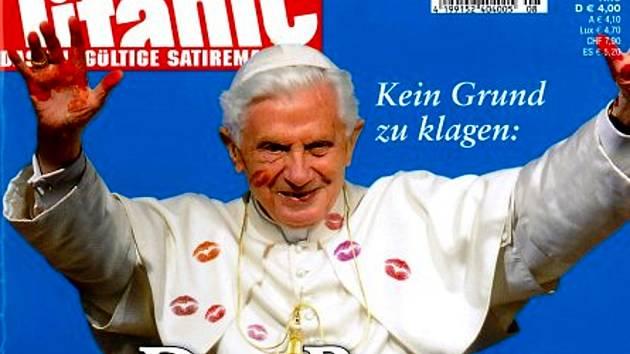 V německém satirickém časopisu Titanic byl papež Benedikt XVI. zpodobněn posetý otisky rtěnky a dětských rukou.