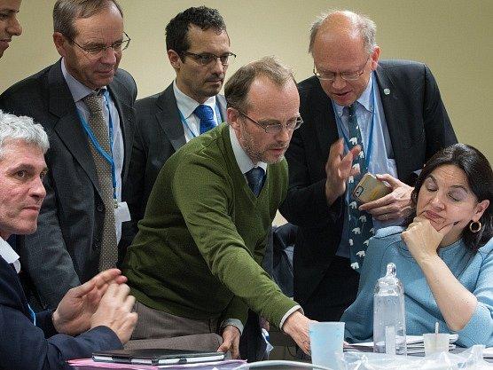Záběr z jednání pařížské konference.