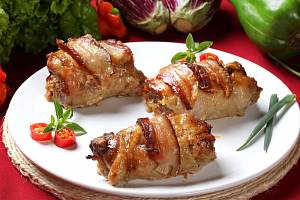 Kuřecí závitky se slaninou