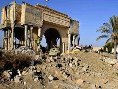 Středisko irácké provincie Anbár, město Ramádí, bývalo domovem milionu lidí. Z kdysi rušného města zbyly po boji mezi armádou a Islámským státem (IS) trosky.