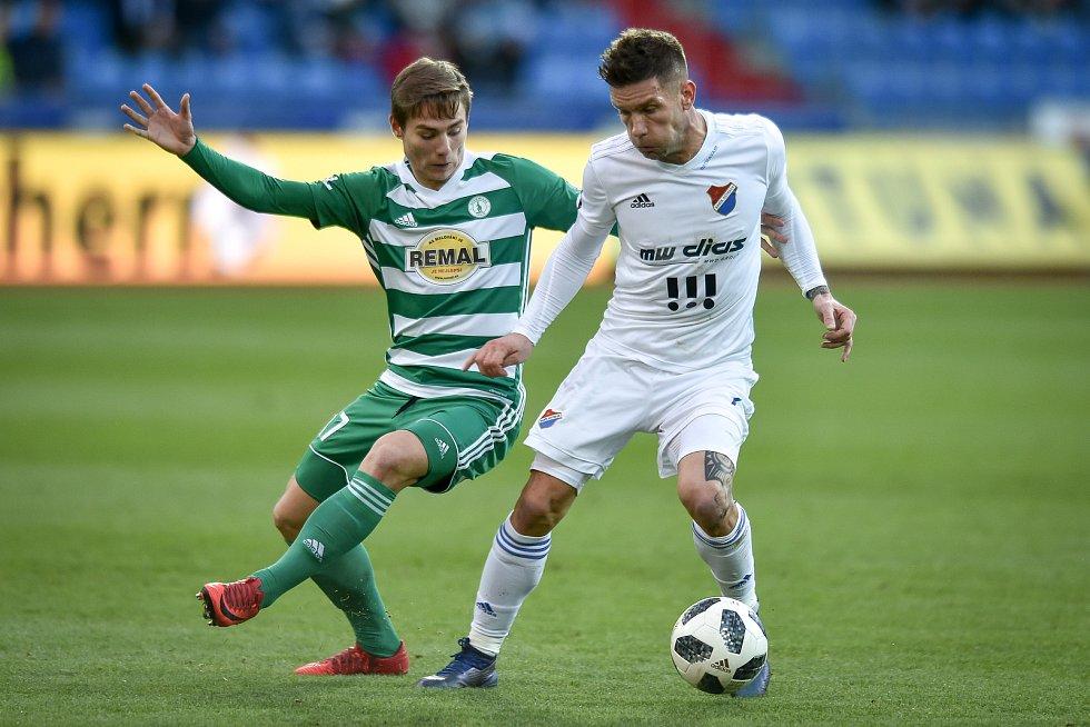 Utkání 18. kola první fotbalové ligy: FC Baník Ostrava - Bohemians Praha 1905, 8. prosince 2018 v Ostravě. Na snímku (zleva) Jan Vodháněl a Martin Fillo.