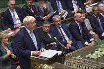 Premiér Boris Johnson v britském parlamentu