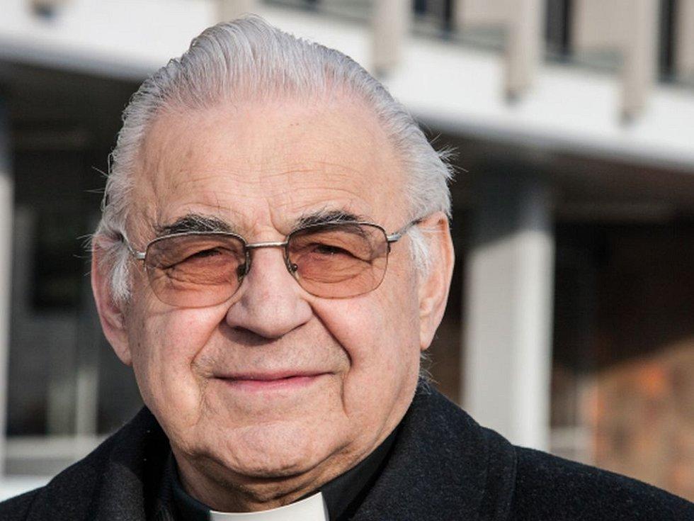 Kardinál a emeritní pražský arcibiskup Miloslav Vlk.