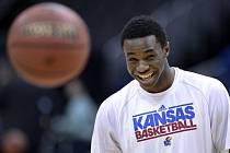 Jedničkou draftu basketbalové NBA se stal kanadský křídelní hráč Andrew Wiggins z Kansaské univerzity.