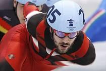Charles Hamelin získal na OH během hodiny dvě zlaté madaile v short tracku.