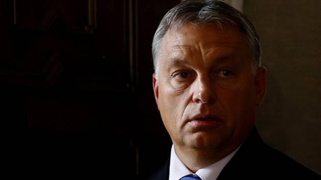 """Pomoc s ochranou státních hranic by měly """"slušně nabídnout"""" Řecku ostatní země Evropské unie ve chvíli, kdy to Atény samy nezvládají. Při příchodu na dnešní mimořádný summit EU k migrační problematice to prohlásil maďarský premiér Viktor Orbán."""