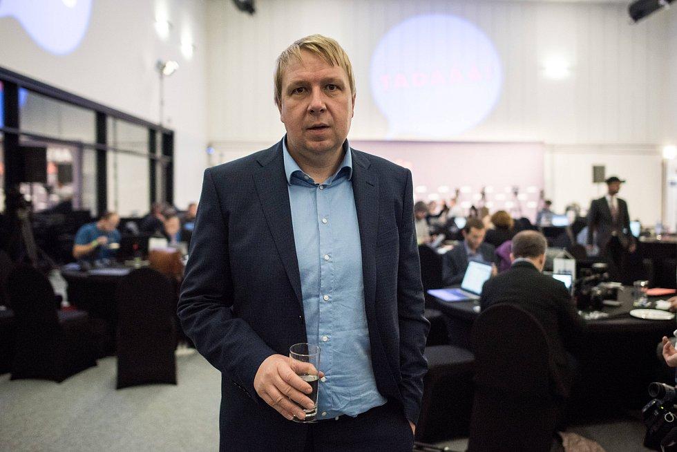 Sledování výsledků parlamentních voleb ve štábu ANO, 21. října v Praze. Aleš Juchelka