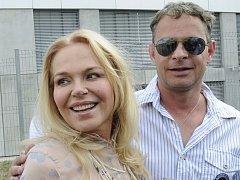 Herečka Dagmar Havlová a režisér Filip Renč vystoupili 16. července v Praze na tiskové konferenci, na níž byl představen nový televizní seriál Sanitka 2.