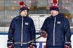 Trenér hokejové reprezentace Josef Jandač (vlevo) a jeho asistent Jaroslav Špaček.