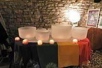 Podvečer s tibetskými mísami