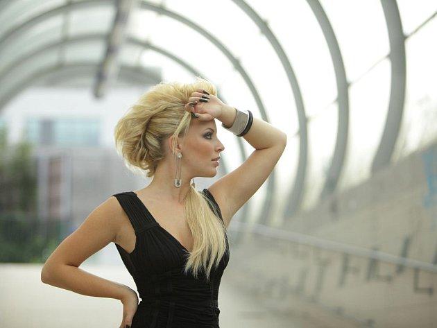 Zpěvačka Markéta Konvičková už rozjíždí vánoční koncerty.