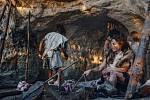 Na pozdních neolitických a bronzových hřbitovech to už byly genetické cizinky. Svého manžela tedy už nutně nacházely v nových sociálních skupinách, v nich pak rodily děti a v nich obvykle strávily zbytek života.