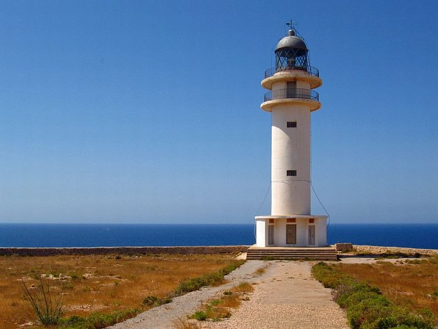 Slavný maják na ostrově Formentera