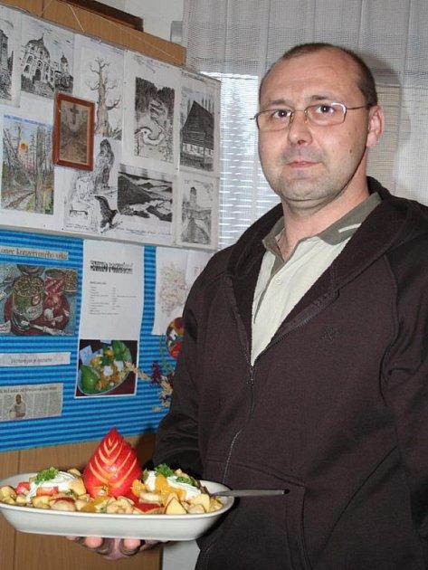 Již druhý ročník výstavy na podporu střediska Betlém pořádá břeclavský vězeňský kaplan Jan Majer na faře adventistického kostela v Břeclavi.