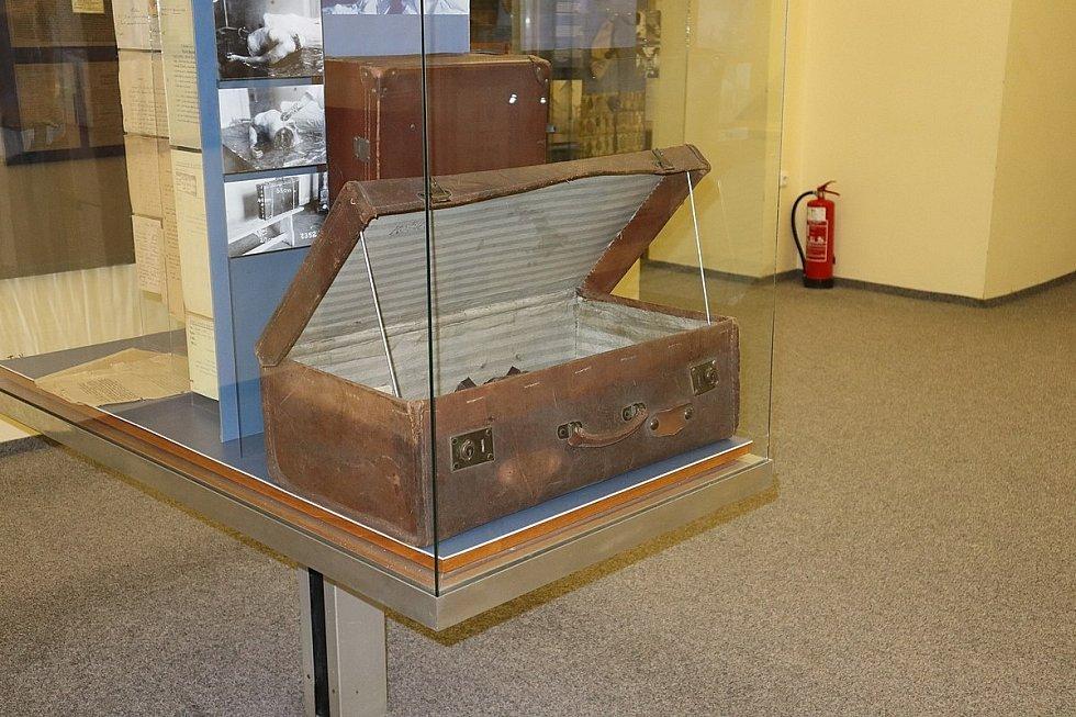 Kufr, který byl dne 2. září 1933 nalezen na nádraží v Košicích, dnes tvoří součást expozice kriminalistiky v Muzeu policie ČR v Praze
