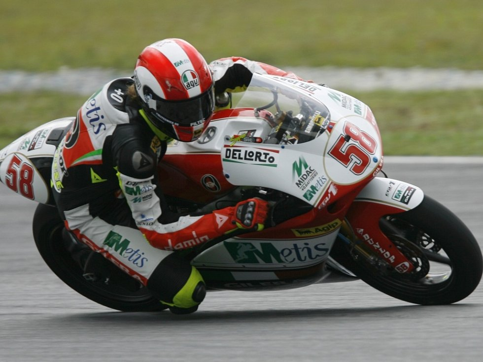 Marco Simoncelli na motocyklu Gilera.