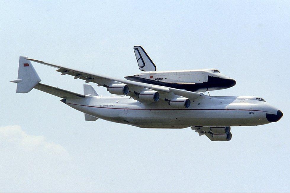 3. Antonov An-225 Mrija s raketoplánem Buran
